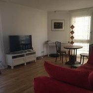 5min from HB-station &river, quiet, bright, wooden floor, affordable rent